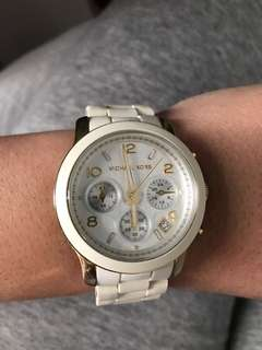 Michael Kors Watch. 100% Authentic. Gold and white