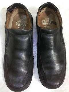 Sepatu Gats