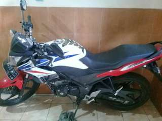 CB 150 R TH 2015 WARNA BIRU MERAH