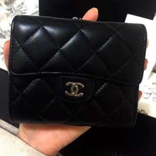 🚚 Chanel銀釦短夾