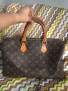 Preloved LV speedy 35 with code (not guarnteed authentic)