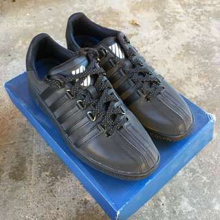 KSWISS low black shoes