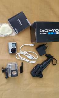 GO PRO HERO 4 SE w/ FREE HD SPORTS CAM