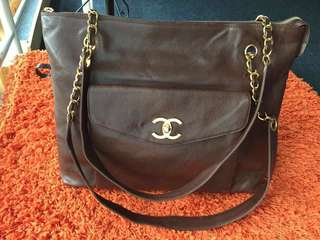 SPECIAL REDUCE PRICE chanel tote vintage (fastdeal)