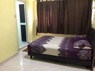 Master bedroom on rent. Hassle free.