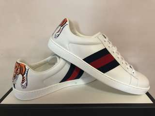 Gucci鞋  Sneaker With Tiger Gucci