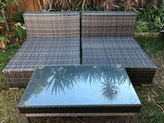 Wratten Wicker outdoor 2 seater with coffee table