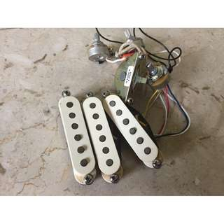 Fender American Standard Stratocaster Electric Guitar Pickup set with USA CTS Pots & Switch Authentic Discontinued Rare Vintage