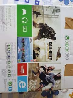 XBOX 360 4GB with Kinect in brand new condition.