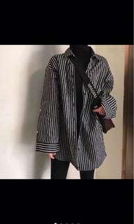 🚚 黑白條紋長袖襯衫/可外搭