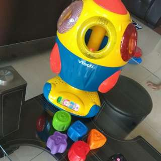 Vtech shape sorter rocket (light, sound)
