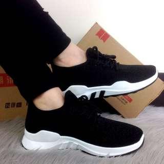Sepatu Fashion Valerie Signature Sneakers 2013 Platinum
