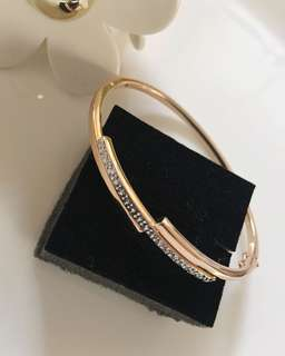 18K Rose Gold and White Gold Bangle