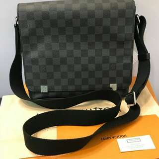 👉USED 1X - LV District Graphite Damier 2018 #brE