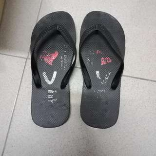 🚚 拖鞋😇