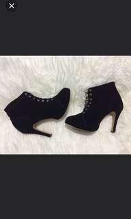 boots hitam size 39