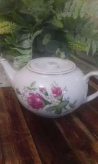Teapot Victorian Roses