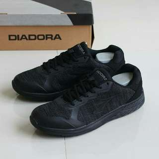 Original diadora clemento v full black