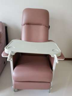 Mobile Arm Chair