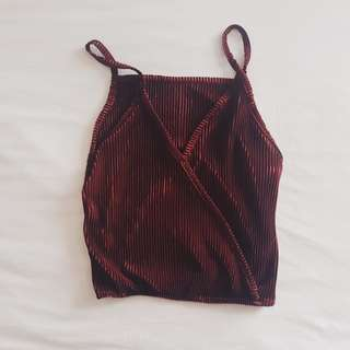 Maroon sleeveless pleated cropped top
