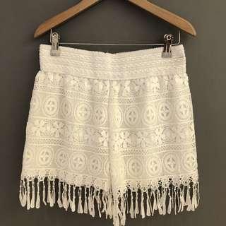 🚚 [全新] 純白 蕾絲 波希米亞風格 休閒 隨性 腰圍鬆緊短褲 歐美風格