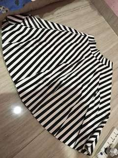 Stripe Rok size L high quality