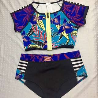 Authentic Roxy Crop top Rashguard