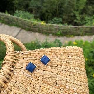 🚚 《早衣服》6月心品🚣🏻♀️耳藍色多瑙河溫柔復古獨特深邃紋藍松石幾何方形耳環耳針(預)