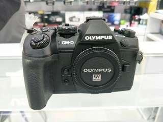 OMD E-M1 Mark II + 12-40 mm f/2.8 Pro