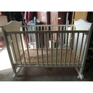 尚典中古家具(二手家具)~中古組合式嬰兒床(二手嬰兒床)白色組合式嬰兒床