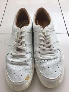 Sepatu zara putih white men