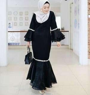 Dress hitam muslim