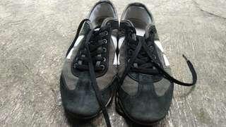 Macbeth Brighton black grey