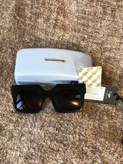 全新karen walker 太陽眼鏡🕶️有盒,標籤🏷️全齊,購於Liger ,原價2520,現半價