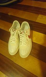 Authentic NIKE(USED ONCE)