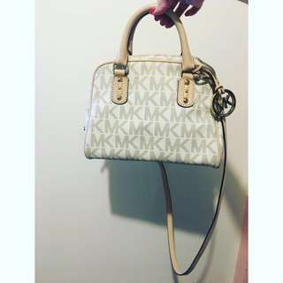Small michael kors handbag