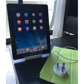 iPad 2 32GB + iPad Docking + Charger + Cover GOOD CONDITION