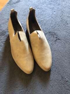 🚚 低跟尖頭個性鞋