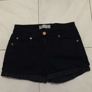 Preloved cotton on short pants