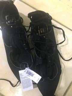 GAP Black/Gold Shoes