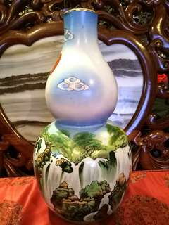 Antique vintage chinese Vase handpainted
