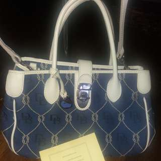 💯Authentic Dooney and Burke DB dual sling leather and canvass bag Free shipping