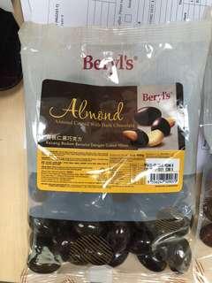 Beryls Almond coated with milk chocolate