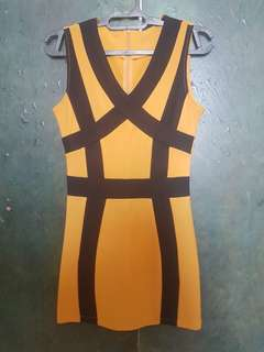 Dress black-mustard cross