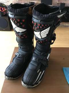 Fly racing boots