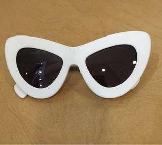 Sunday Somewhere white cat eye shades