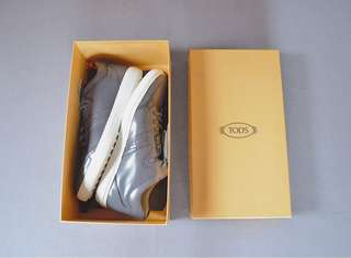 Tod's Size 9 M (Brand new)