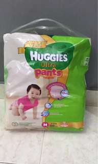 Huggies Ultra Pants M size