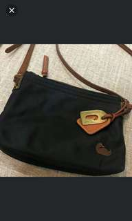 original dooney and bourke sling!with free wallet and marc jacob sling bag..