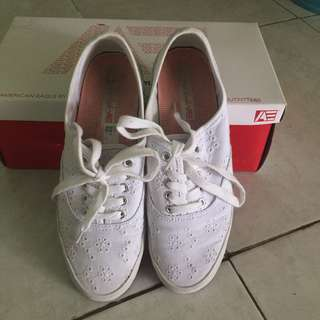 American eagle white shoes